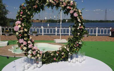 Як замовити декор на весілля
